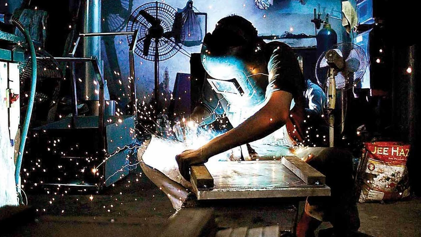 India's manufacturing sector, Nikkei Manufacturing Purchasing Managers' Index, IHS Markit, Cost inflationary pressures, Pollyanna De Lima, Reserve Bank of India, Economy, Central bank, Reuters poll