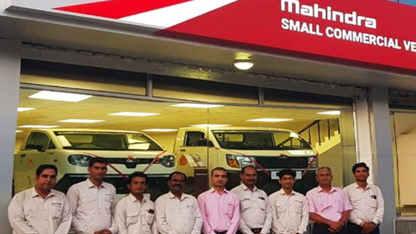 Mahindra & Mahindra, Dealership for small commercial vehicles, Veejay Ram Nakra, Satinder Singh Bajwa