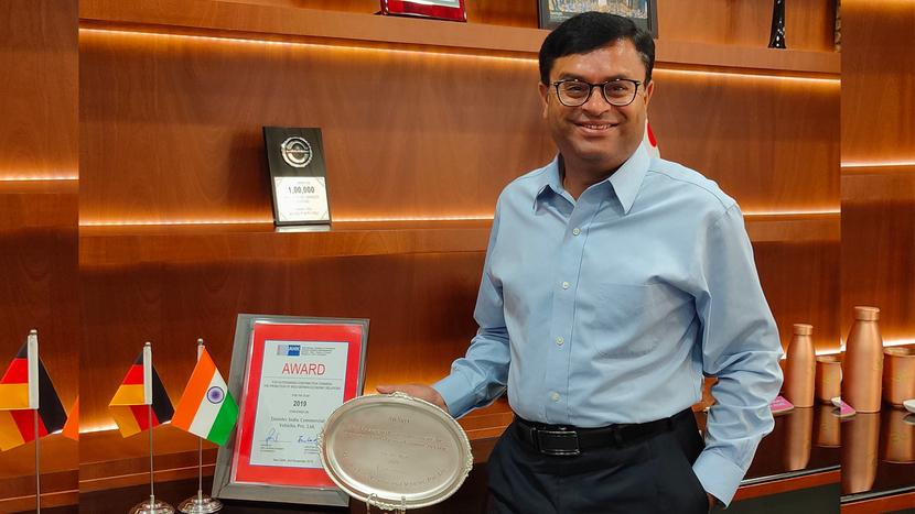 Mr. Satyakam Arya, Managing Director and CEO, DICV with the IGCC award