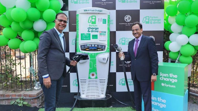 Morris Garages, Fortum, DC charging station, Gurugram, Rajeev Chaba, Sanjay Aggarwal, Vehicles, Smart chargers