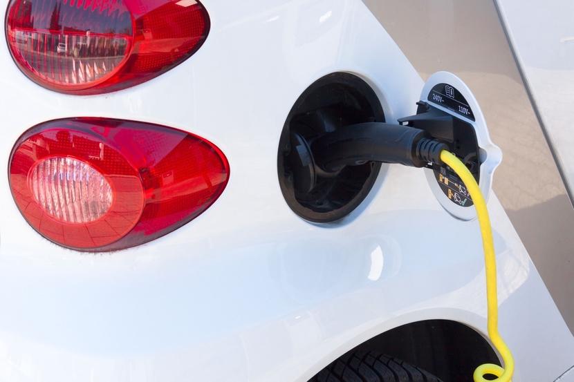 MG Motor India, EV Charging ecosystem, Tata Power, EV batteries, Rajeev Chaba, Praveer Sinha, MG ZS EV